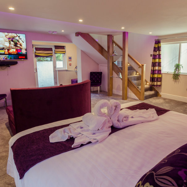 Love Haven Suite and Hot Tub, Windermere Spa Suite, Bed and Breakfast in Windermere