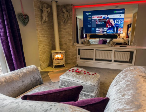 Aphrodite´s Log Cabin & Hot Tub Luxury Bed and Breakfast in Bowness on Windermere, Windermere Spa Suites with Hot Tub