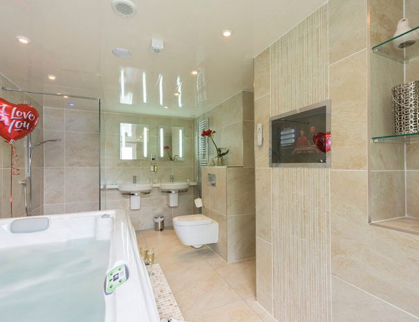 Camellia Room Luxury Bed and Breakfast in Bowness on Windermere, Windermere Spa Suites with Hot Tub