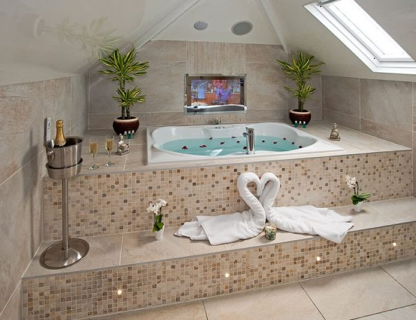 Love Hide & Luxury Bathroom Luxury Bed and Breakfast in Bowness on Windermere, Windermere Spa Suites with Hot Tub