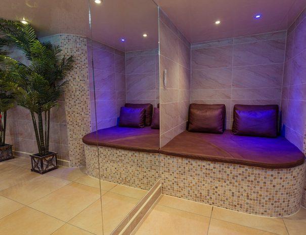 love-shack-cabin-hot-tub-room-new-2
