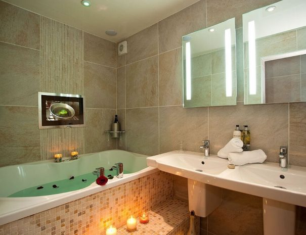 Orchid Suite & Hot Tub