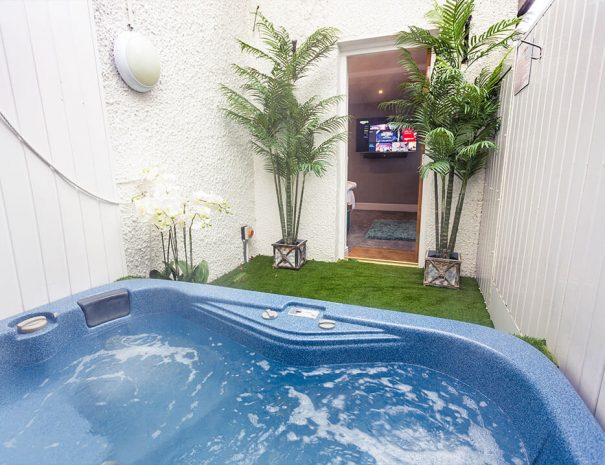 orchid-suite-hot-tub-room-new-8
