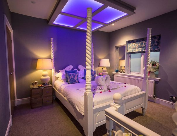 parisian-suite-and-hot-tub-2