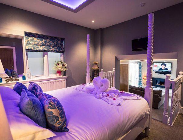 parisian-suite-and-hot-tub-3